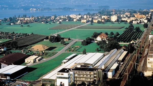 Kauf der Heinrich Schmid Maschinen- und Werkzeugbau AG in Rapperswil/Schweiz inkl. Feinschneid-Betrieb.