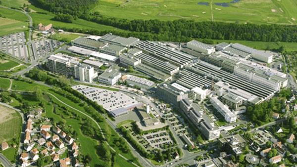 INA-Schaeffler KG übernimmt die restlichen 50% der Hydrel-Aktien von der Familie Bertsch. Hydrel wird eine 100%ige der Tochter INA-Schaeffler KG, D-Herzogenaurach.