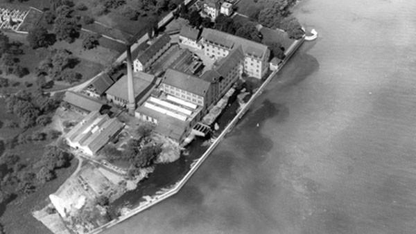 Fondation de la société Hydrel SA par M. Karl Bertsch, fabricant de pâtes, Romanshorn, M. Paul Truninger, ingénieur, Soleure et Dr. Fritz Egger, advocat et conseiller d'état, dans une ancienne usine de textile au bord du lac.
