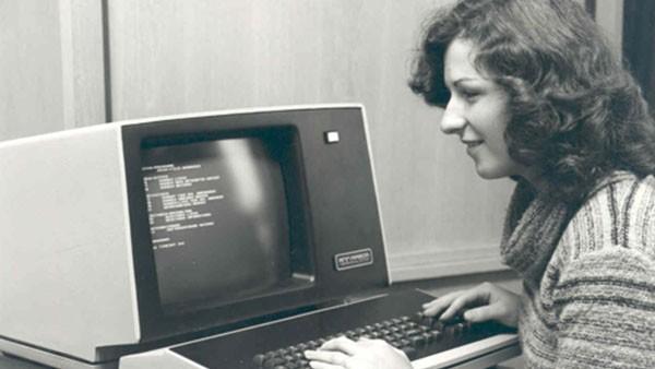 Hydrel est la première société en Europe qui commande chez Digital Equipment Corp. à Maynard/USA un ordinateur