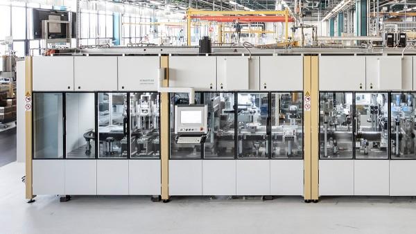 Automatische Montage- und Prüflinie in der Produktion